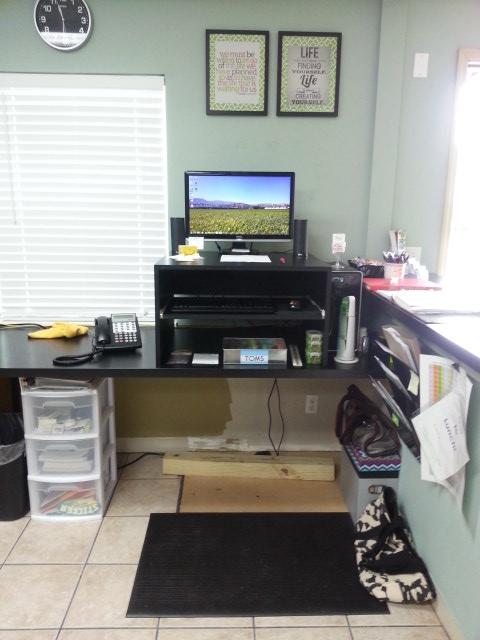 stevie desk 2